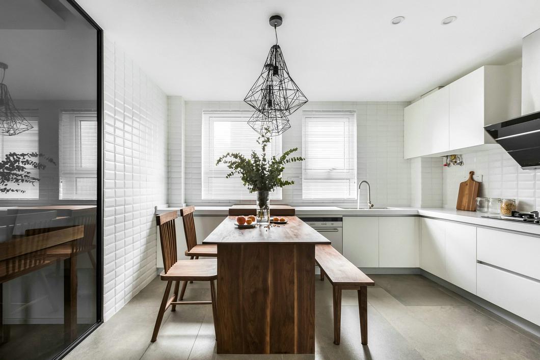 客厅深灰色瓷砖造型图